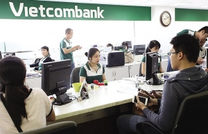 banks seek expats for leading roles
