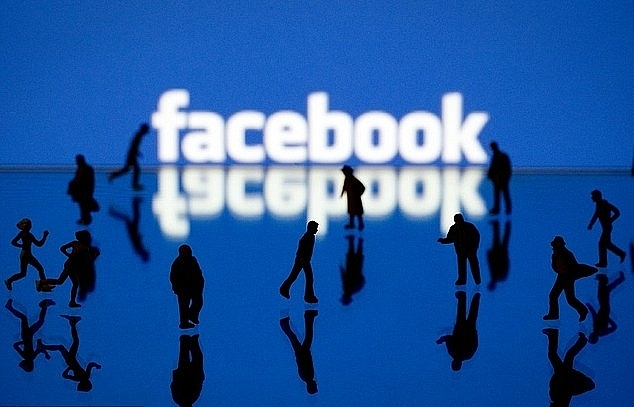 facebook overhauls privacy settings amid data breach outcry