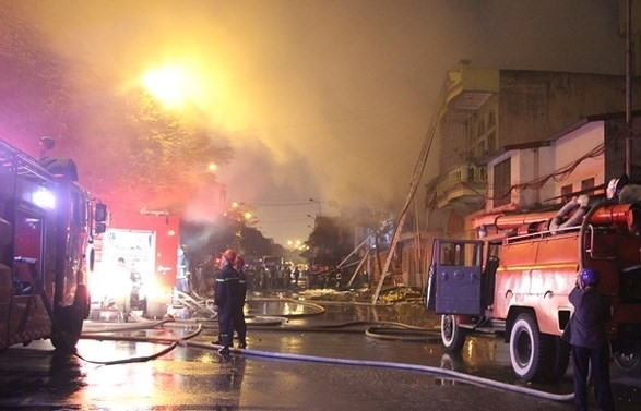 fire destroys 5 houses no casualties reported