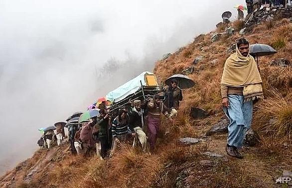 india pakistan exchange heavy border fire
