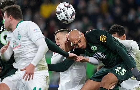 Five-goal Stuttgart boost survival hopes against 'feeble' Hanover