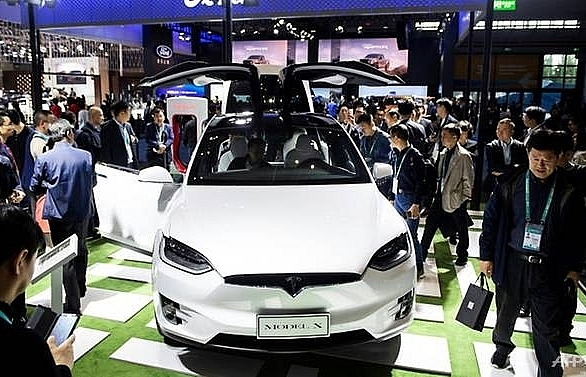 tesla says working on china import hiccup