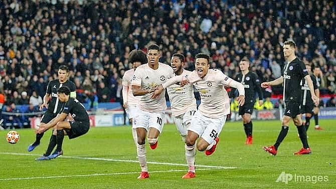 last gasp penalty sends man utd into champions league quarter finals