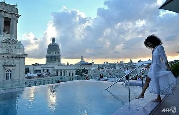 cuba taps into high end luxury tourist market