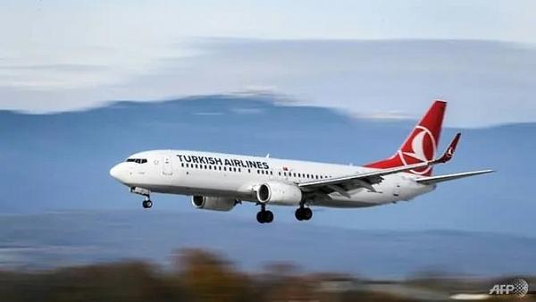broken leg cuts bruises 30 injured as turbulence hits turkish airlines flight to new york