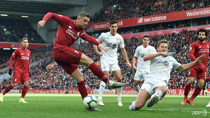 firmino mane keep liverpool in touch with man city