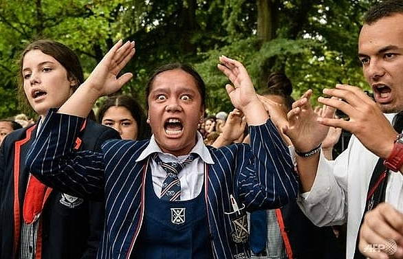 i live i die new zealand uses haka to heal after attacks