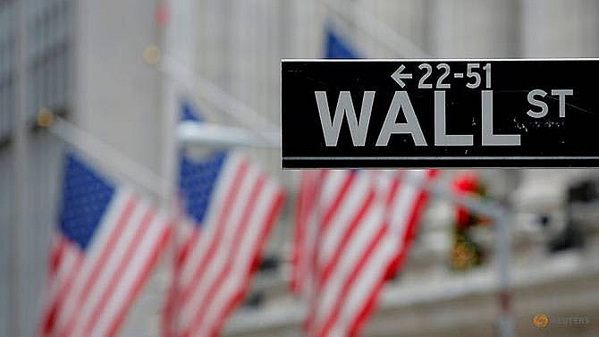 dow sp 500 dip as markets eye fed trade talks