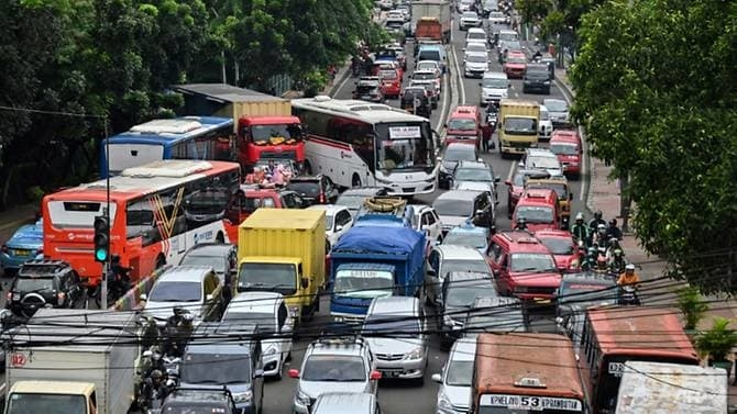 traffic choked jakarta to inaugurate mass rapid transit system