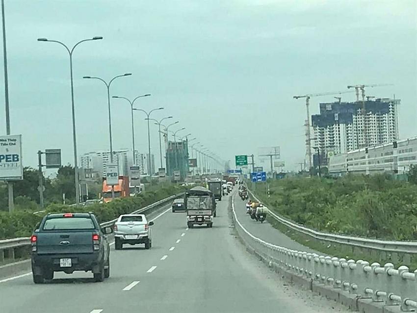 hcm city long thanh dau giay expressway faces increasing traffic congestion