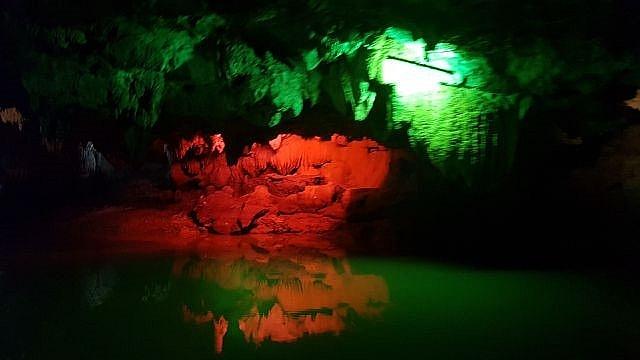 discovering hidden thien ha cave in trang an landscape complex