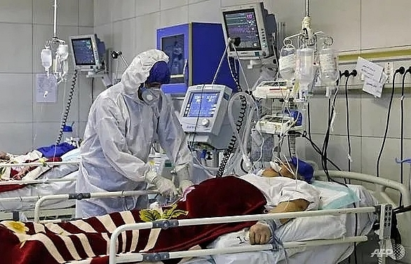 Iran COVID-19 deaths now 77 as emergency services chief infected
