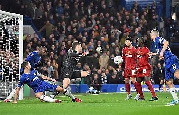 liverpool beaten again as chelsea ease into fa cup quarter finals
