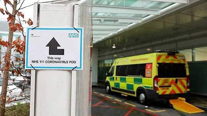 first uk death confirmed in coronavirus outbreak