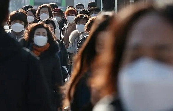 south korea to void visas of japanese visitors in virus retaliation