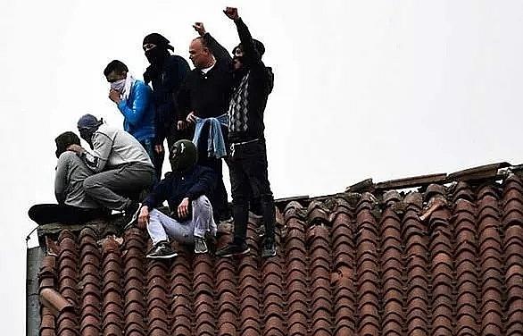 italy prison riots over coronavirus leave 12 dead