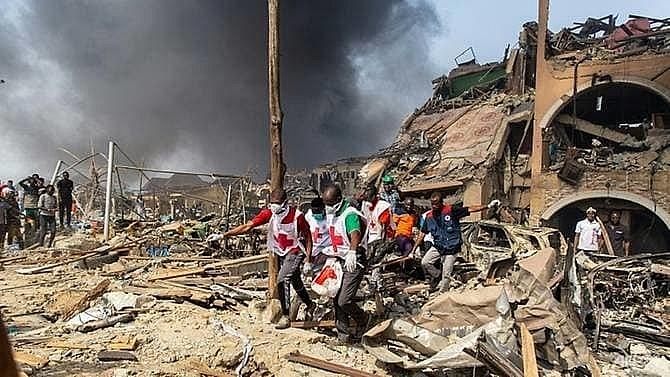 nigeria gas explosion kills at least 15