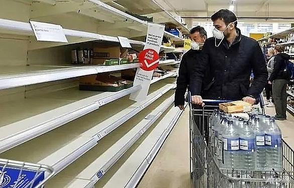 uk supermarkets call for calm as coronavirus fears trigger panic buying