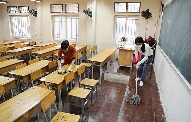 hanoi schools remain closed until april 5