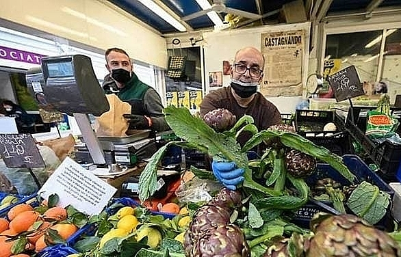 italy overtakes chinas coronavirus death toll