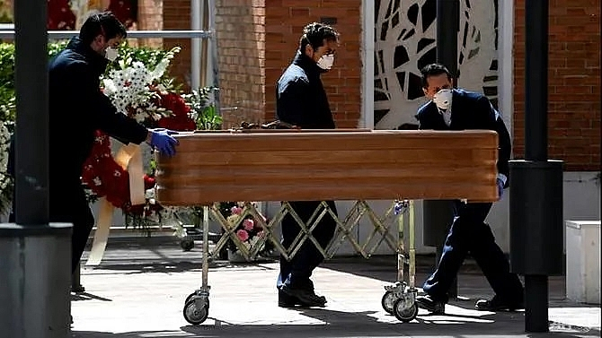 on the 10th day of lockdown madrid shaken by deaths