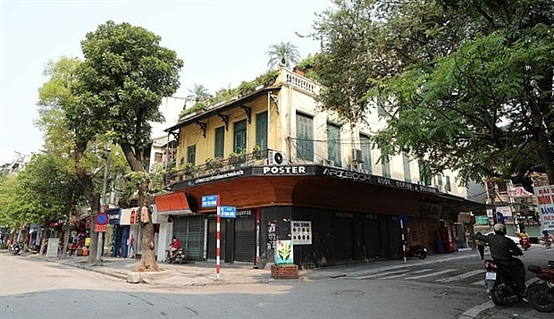 hanoi orders closure of bars to stop covid 19