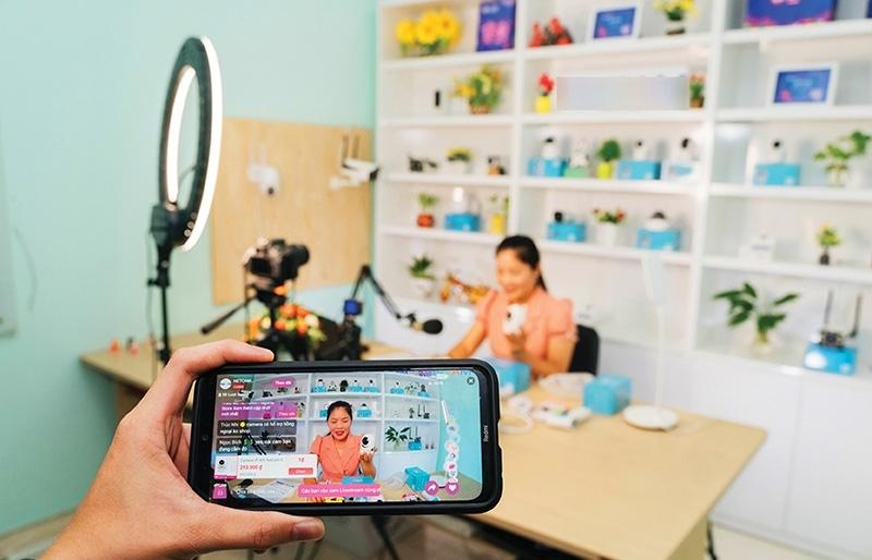 livestream commerce booms