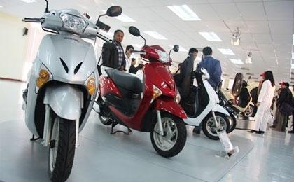 bike makers free wheeling it in vietnam