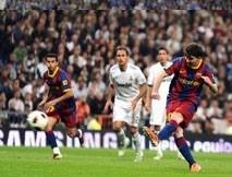 ronaldo rescues real but barcelona sense title