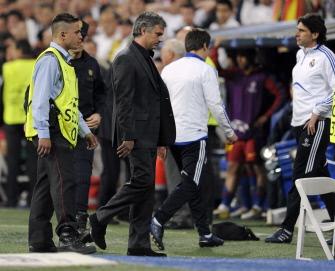 Irate Mourinho rails against Barca 'favouritism'