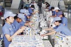 Paper firms ink deals