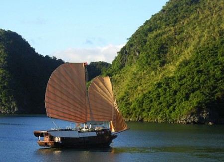 ha long bay officially recognised as new world natural wonder