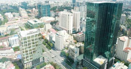falling rents mean more firms take aim at prized cbd spots