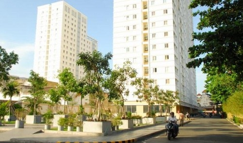 vietnam to continue allowing foreigners to buy houses