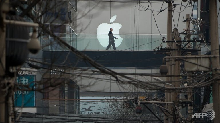 apple apologises after china criticism