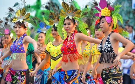 Ha Long hosts trade, tourism and food fair