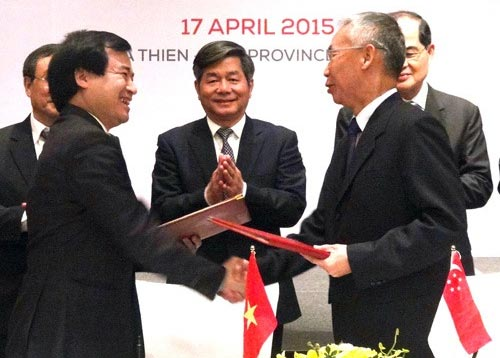 Viet Nam, Singapore forge stronger economic ties