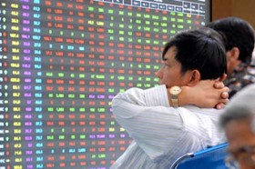 Stock market falls on low liquidity