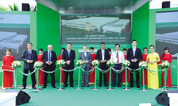 new schneider electric plant reflects firms global concept