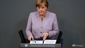 Merkel warns UK against Brexit 'illusions'