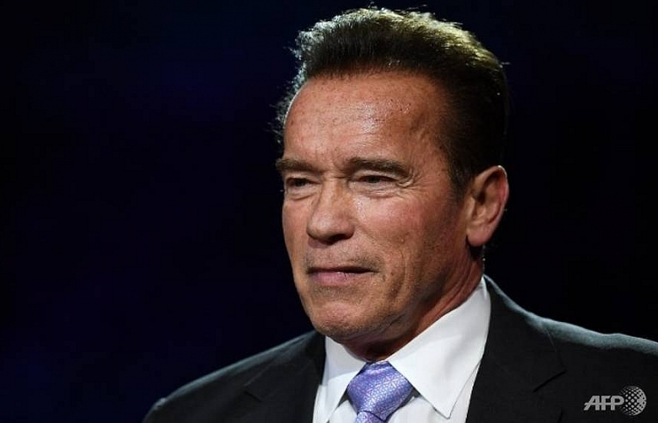 schwarzenegger wakes from heart surgery declaring im back