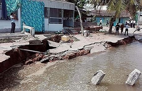 erosion attacks yet another part of vietnams mekong delta