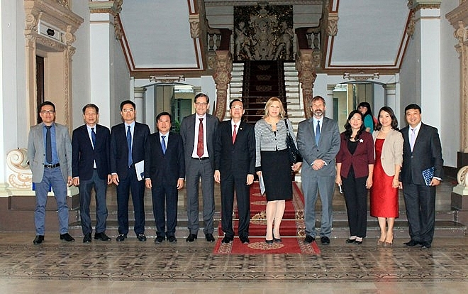 ifc to assist ho chi minh city in building smart city