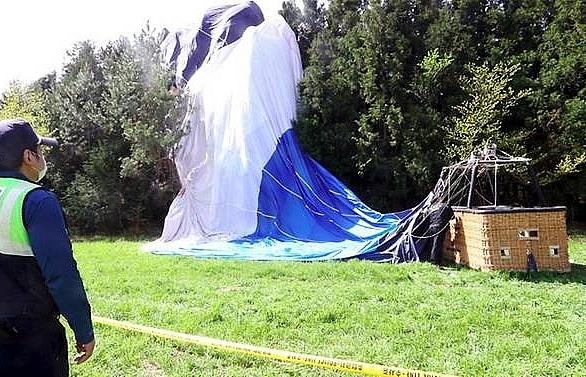 1 dead 12 injured in hot air balloon crash on south koreas jeju island report