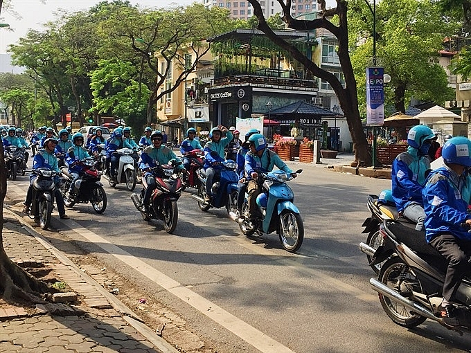 Drivers struggle after Uber calls time in Vietnam