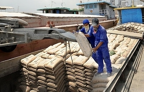 Strong domestic cement export growth, China's production drops