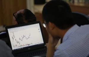 vn index tumbles on poor investor sentiment