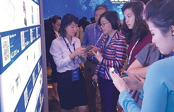 Mobile payment market heats up with foreign players
