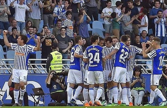 juanmis double dents atletico madrids title hopes