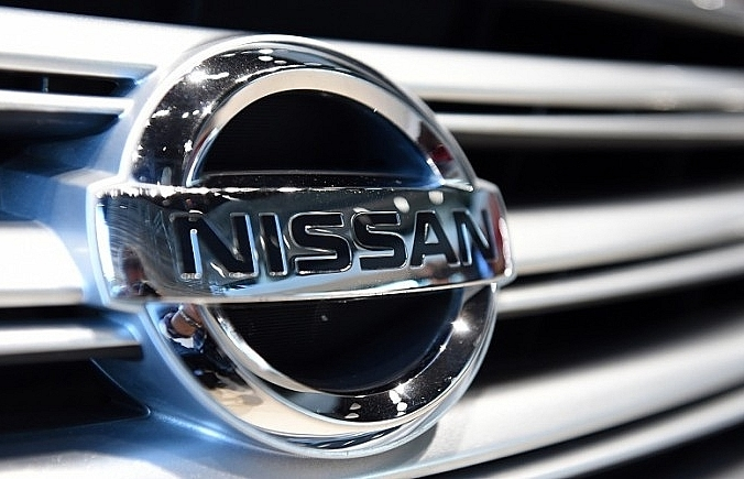 nissan to cut hundreds of jobs at uk car plant source